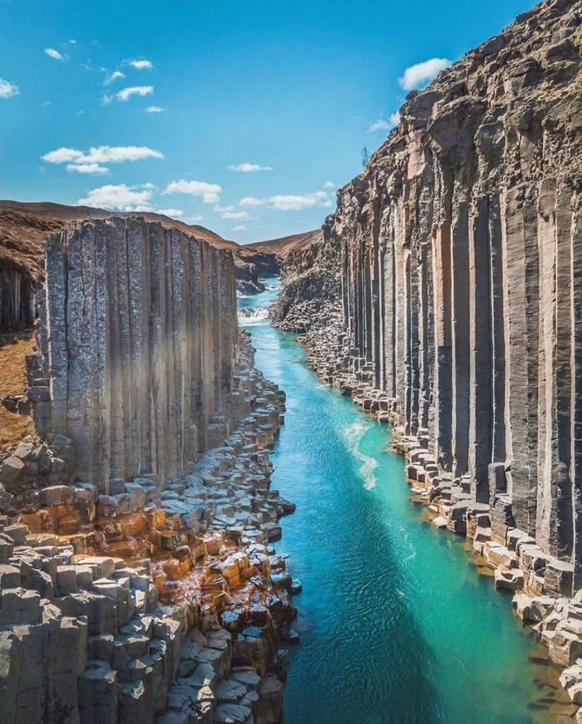 Another incredible shot of amazing basalt in Iceland! The hexagonal shapes are m...