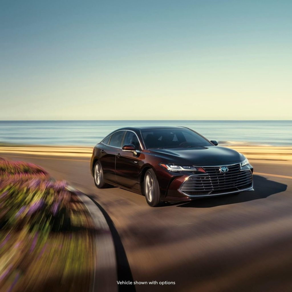 Keep up with a new level of #Hybrid refinement. #Avalon #LetsGoPlaces...