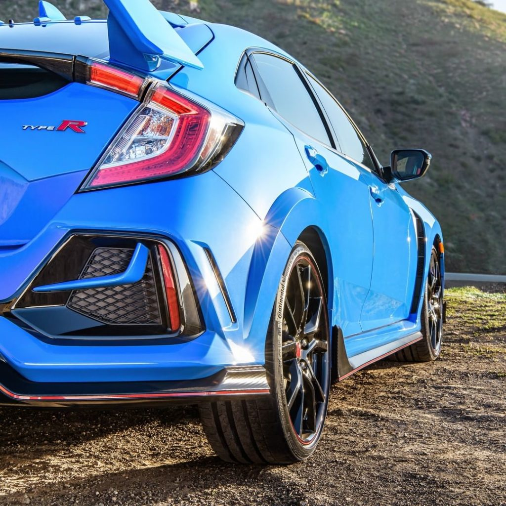 Glimpse the new Boost Blue color of the refreshed 2020 Civic #TypeR as it makes ...