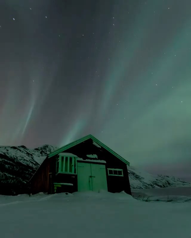 Northern lights in the Arctic  Video | @antoinejans  Curated by @henry.nathan  #...