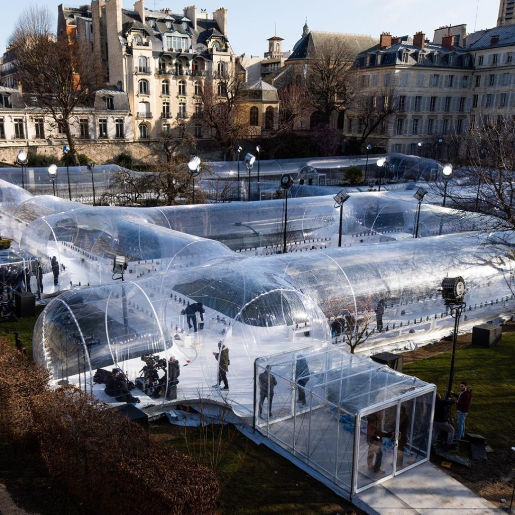 GOING PLACES Designed as a modular nomadic object, a transparent tubular structu...