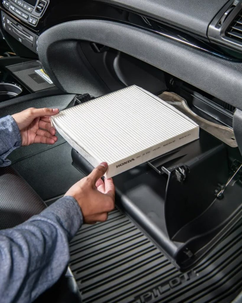Do it yourself, today: Check your Honda's cabin filter in your garage. It's easy...