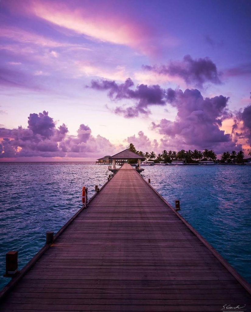 The Maldives during 3 different time of the day.  Photography | @steffeneisenach...