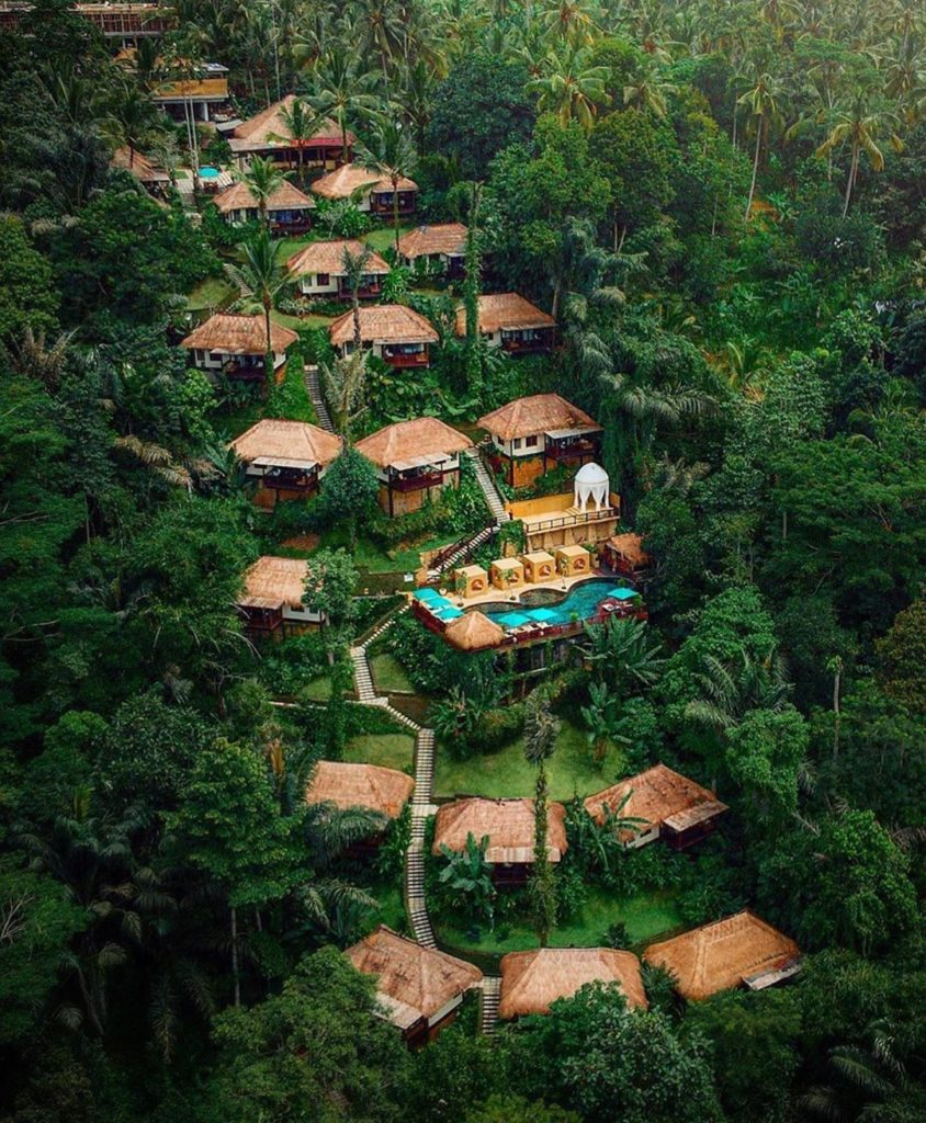 Jungle resort in Bali  Photography | @terplanet  Curated by @henry.nathan  #bali...