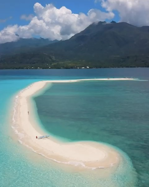 Anyone else dreaming of paradise today?  Videography | @cpcreatives  #philippine...