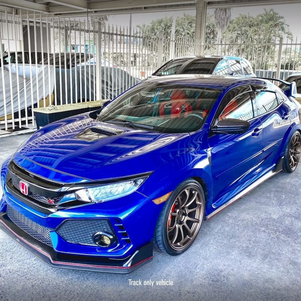 Go under the hood with Civic #TypeR TCR driver @victorgonz....